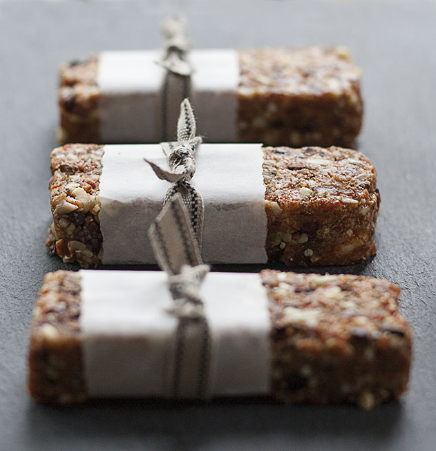 Goji and Cocoa Nib Energy Bars | Joy of Yum