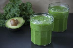 Simply Green Kale Smoothie | Joy of Yum