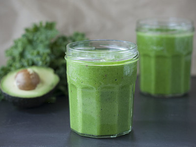 Simply Green Kale Smoothie | Joy of Yum
